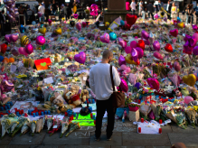 hundreds-of-children-are-marching-to-manchester-arena-for-those-killed-in-concert-suicide-bombing